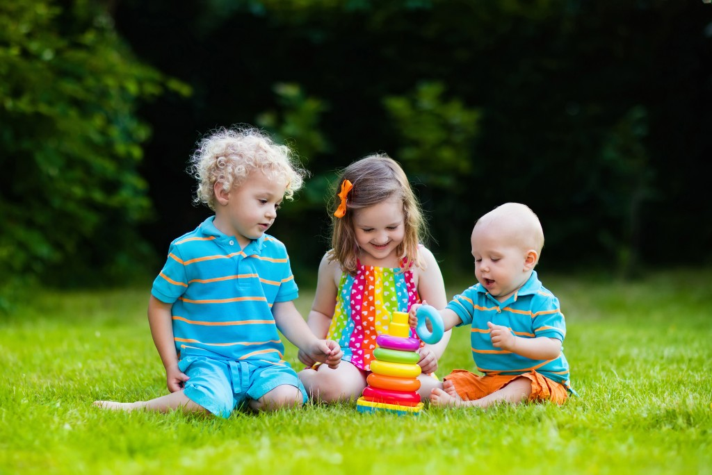 kids playimg outdoor